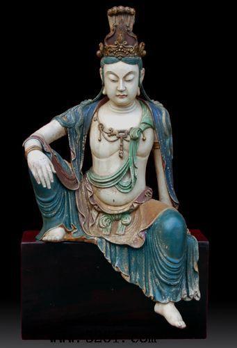 木雕佛像-彩绘观音坐像