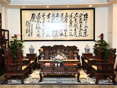 鸿庭轩:沙发